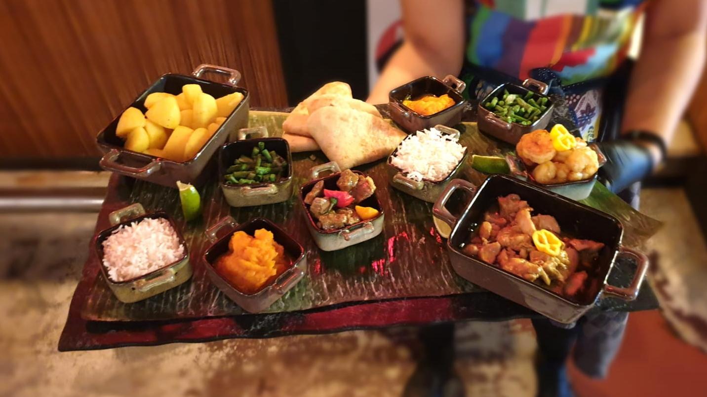 roti schotel platter roti dag avenue nine surinaams restaurant rotterdam